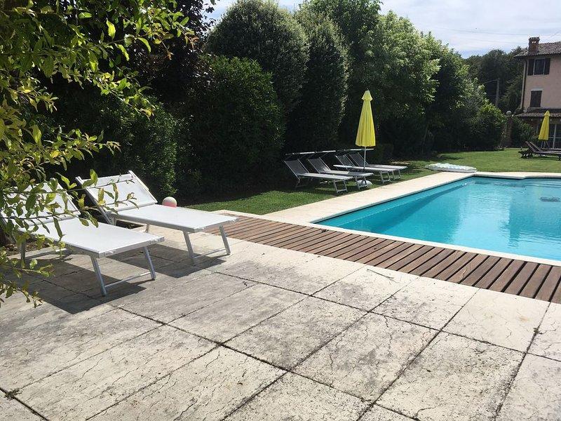 Vacanza rilassante all'insegna della tranquillità e della totale discrezione., holiday rental in Lake Garda