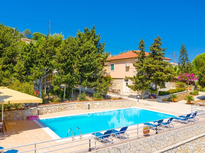 Dolphin House: Large Private Pool, Walk to Beach, Sea Views, A/C, WiFi, Car Not, vacation rental in Gaios