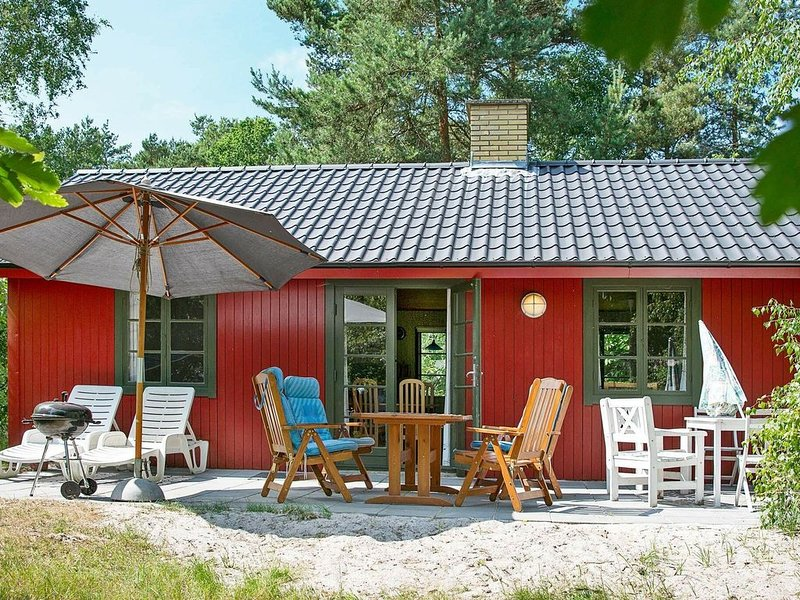 Cozy Holiday Home in Nexo with Swimming Pool, vacation rental in Bornholm
