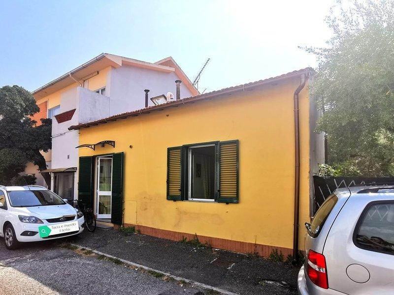 Bilocale a 300 Mt dal mare, holiday rental in Rosignano Solvay