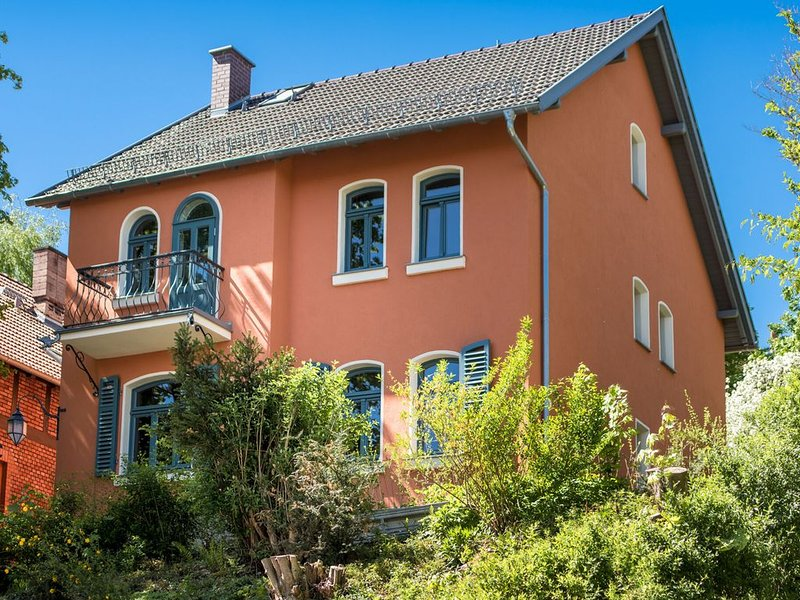 Modern Holiday Home in Eisenach Thuringia with Terrace, casa vacanza a Hoerselberg-Hainich