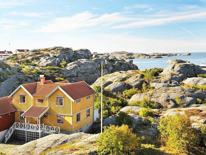 5 star holiday home in Skärhamn – semesterbostad i Halleviksstrand