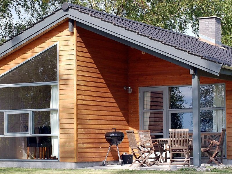 Lovely Holiday Homein Stubbekøbing with Terrace, location de vacances à Bogoe
