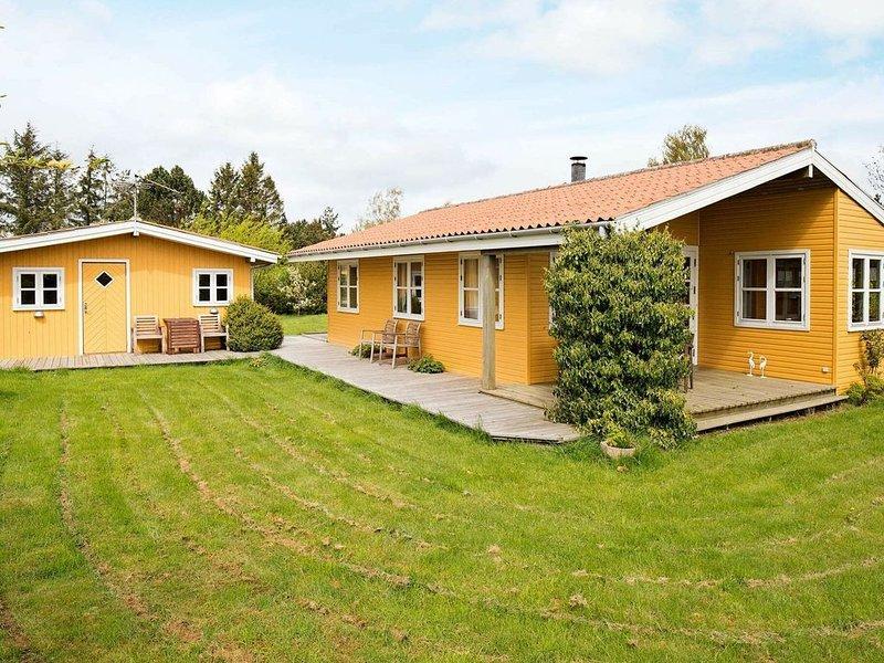 Ravishing Holiday Home in Bogø with Terrace, location de vacances à Bogoe
