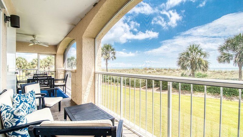 Oceanfront Villa with Spectacular Views  Dillard, holiday rental in Georgetown
