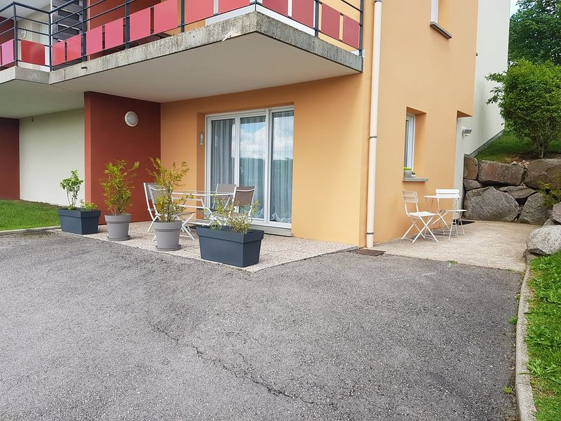 Appt F2 classé 3* en Rez de Jardin, terrasse plein sud, proche pistes, wifi, alquiler de vacaciones en Gerardmer