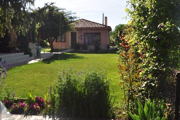 Casa rural (alquiler íntegro) El Jardín de Manuela para 6 personas, casa vacanza a Hacinas