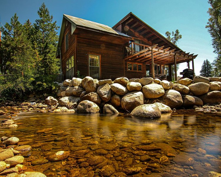 Private Cabin in beautiful Downtown Steamboat! BEST LOCATION in OLD TOWN!, location de vacances à Steamboat Springs