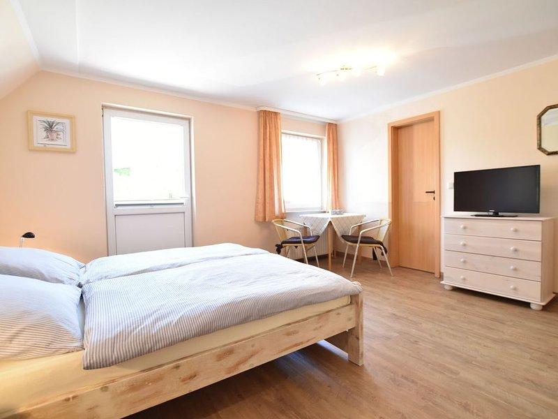 Apartment in Wohlenberg with Balcony, Garden, BBQ, Heating, location de vacances à Wohlenberg