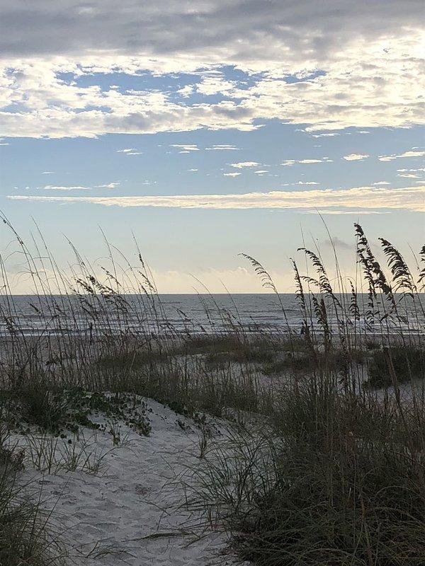 Minuter promenad från den vackra vita sandiga St Augustine stranden