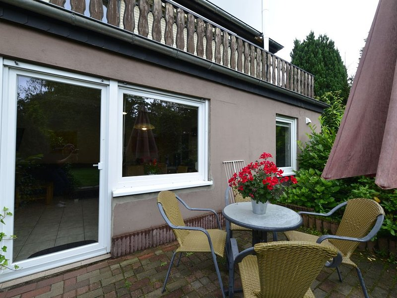 Garden-view Apartment in Heringhausen | Lake | City Centre, holiday rental in Heringhausen