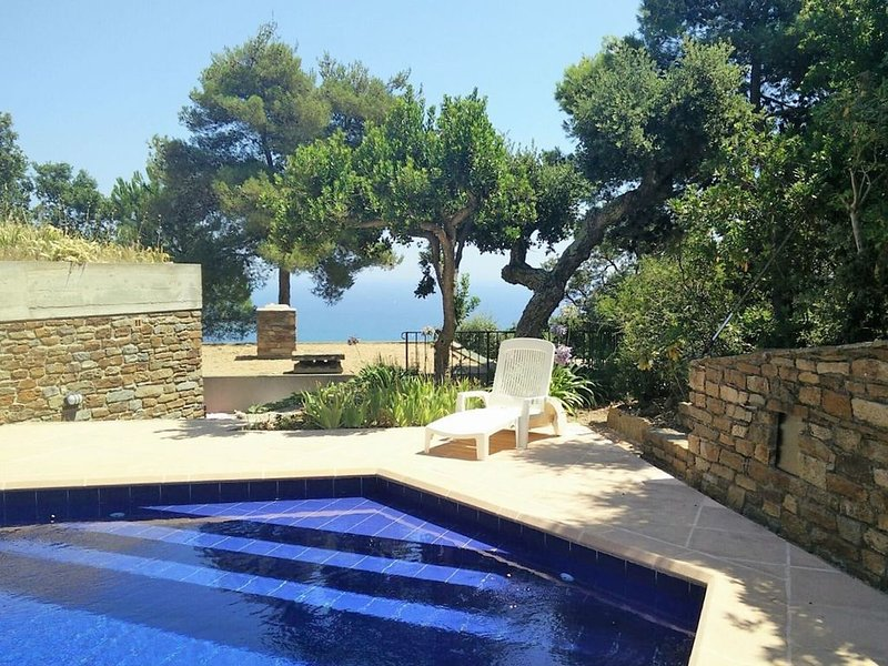 Experience between unspoilt nature and the Côte d'Azur, villa with amazing views, holiday rental in Bormes-Les-Mimosas