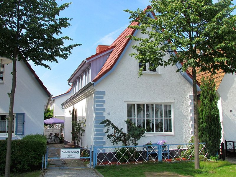 Spacious Apartment in Warnemünde Germany with Barbecue, location de vacances à Warnemnde