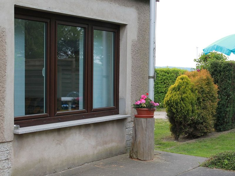 Charming Apartment in Stäbelow with Garden, holiday rental in Roggentin
