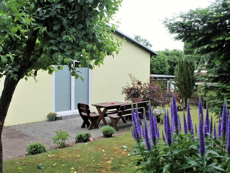 Cosy Holiday Home in Dorf Gutow near the Sea, holiday rental in Reppenhagen