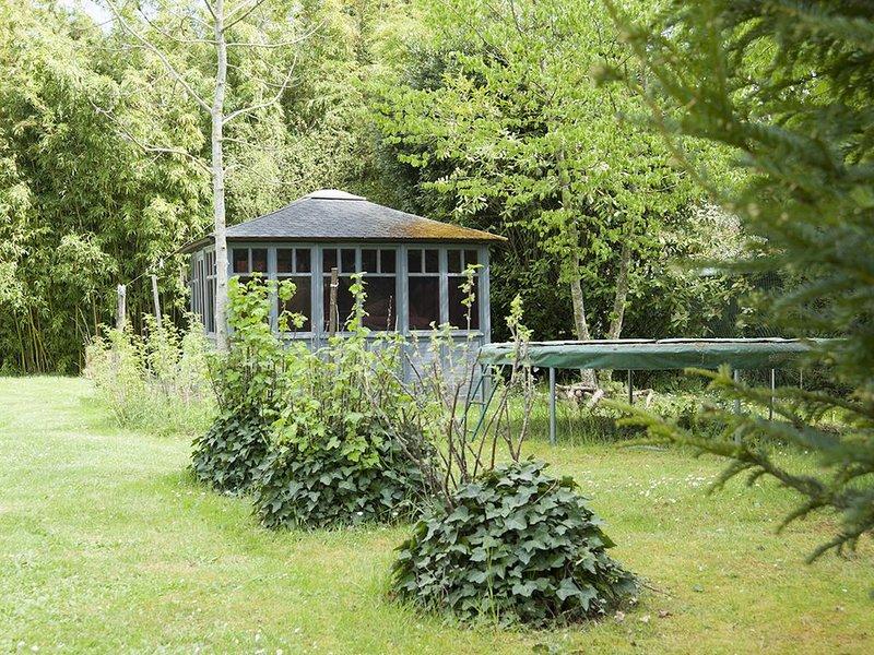 gite 110 m2  prestations haut de gamme  climatisé avec jacuzzi  3 min de bourges, location de vacances à Neuvy-sur-Barangeon