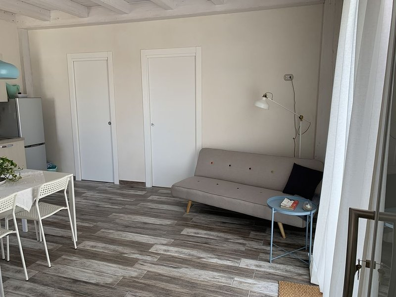 Cozy Apartment by the sea, vacation rental in Scoglitti