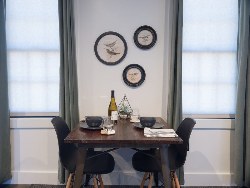 THE INN Downtown - Deluxe Queen Studio Apartment, vacation rental in Portsmouth