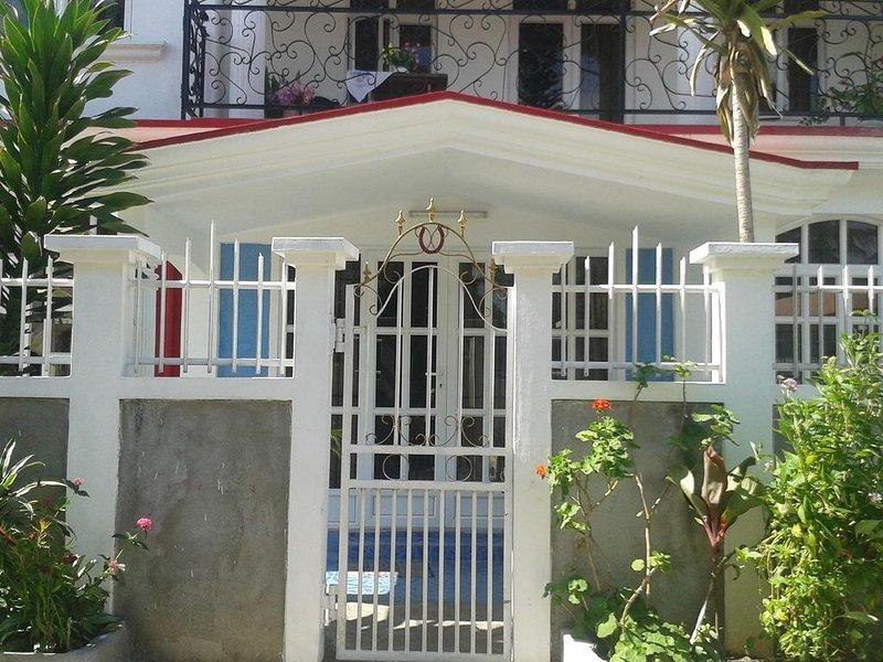 Villa Fleurie : Belle Maison ensoleillée, holiday rental in Pointe Aux Piments