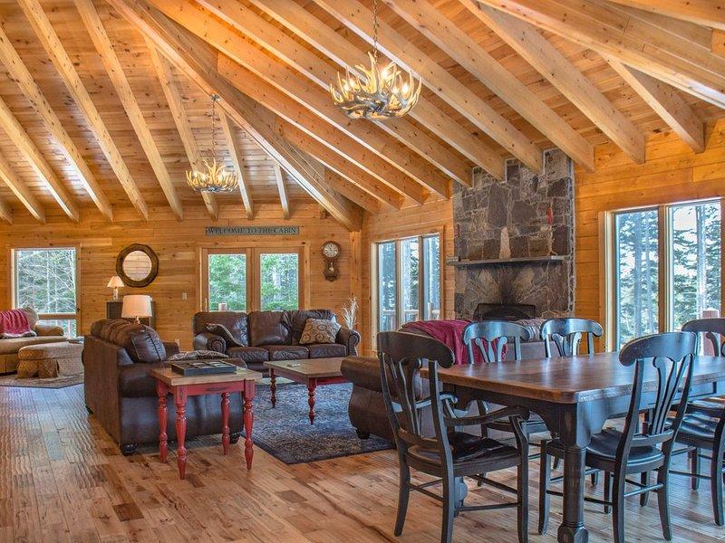 Million Dollar view on Moosehead lake, vacation rental in Greenville