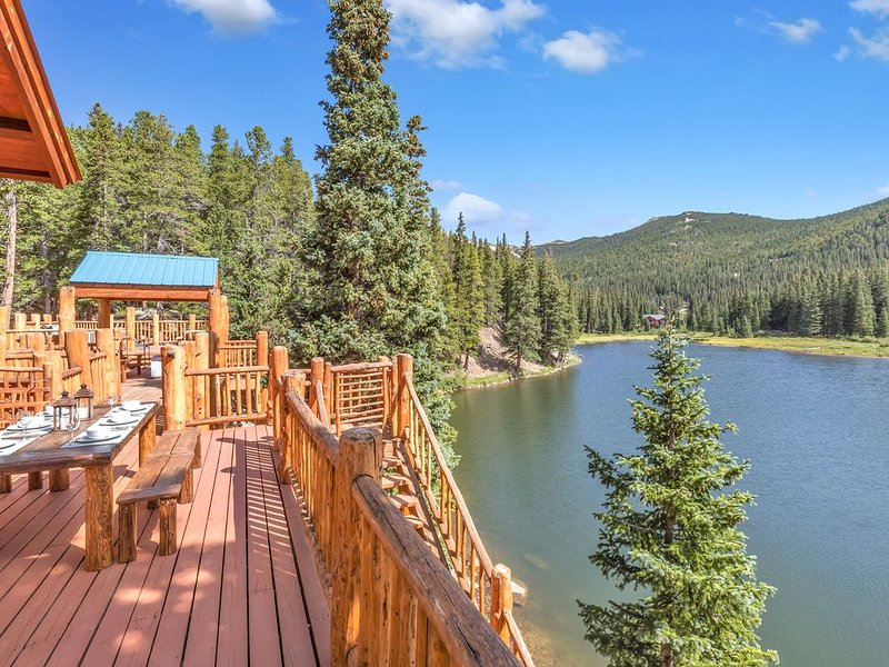 Lake Front cabin, Fish, hike, lake activities Located in Idaho Springs, location de vacances à Dumont