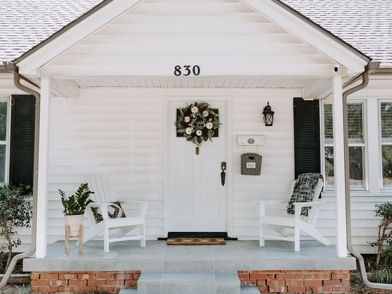 The Picket Fence Cottage, vacation rental in Norman