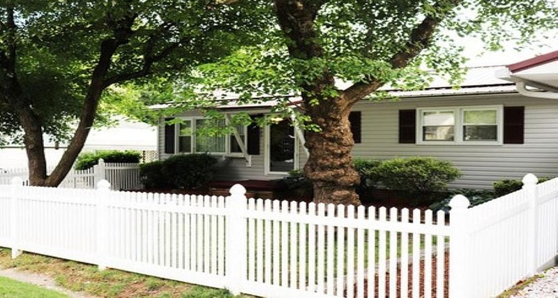 New Listing! Jazzee's Diamond / Pet Friendly / Vacation Rental, holiday rental in Laurel Park