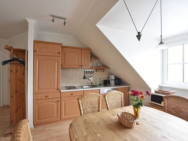 Charming Apartment in Rerik Mecklenburg with Sea View, holiday rental in Ostseebad Rerik
