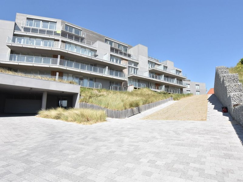 Luxurious Apartment in De Panne with Terrace, aluguéis de temporada em Veurne