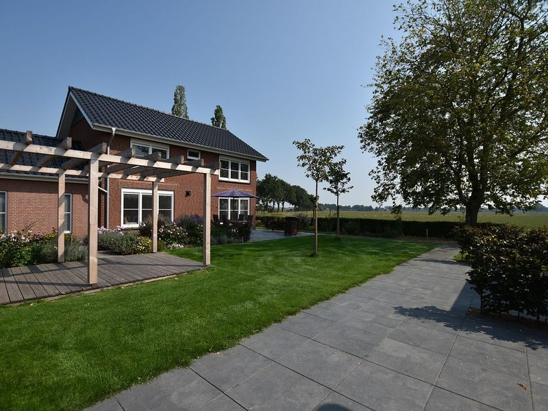 Luxury Villa in Megchelen with Sauna, vacation rental in Doetinchem