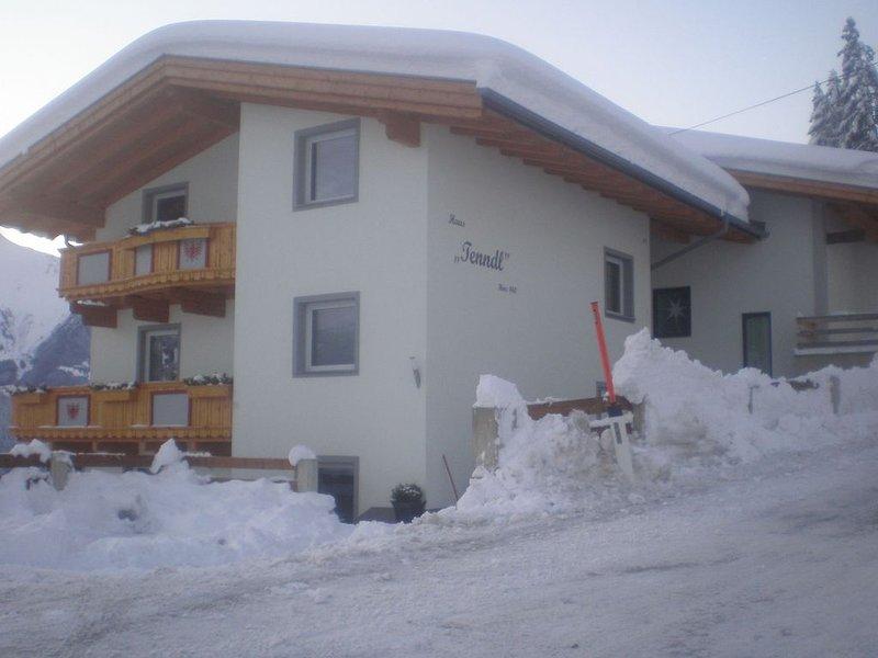 Apartment in Hippach with Mountain Views, Parking & Balcony, alquiler vacacional en Hippach