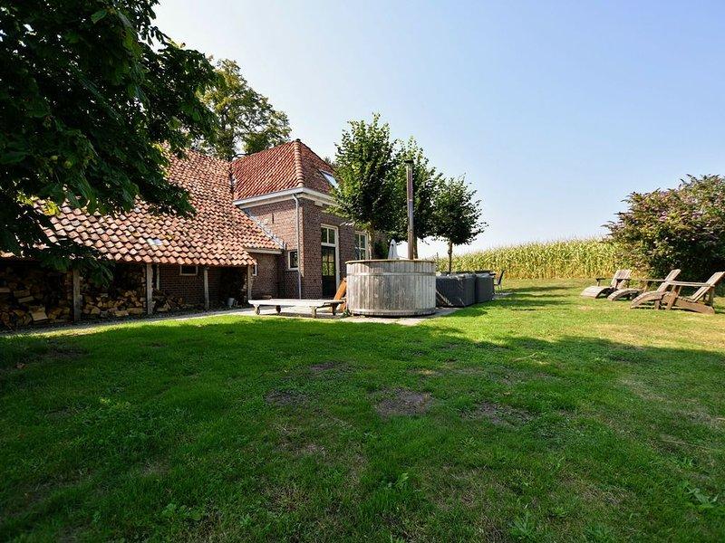 Splendid Farmhouse in Winterswijk-Woold with Terrace, location de vacances à Bocholt