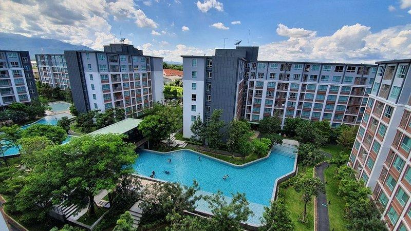 Cozy suite condo relax room with big tireless pool, close to big mall walk 5 min – semesterbostad i Ban Tha Kradat