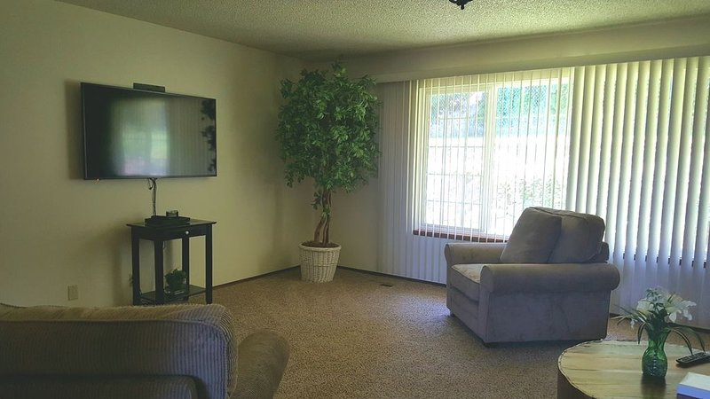 810 Living Room - View #2