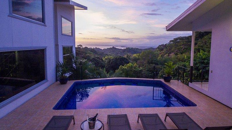 Les couchers de soleil de Manuel Antonio sont parmi les meilleurs du Costa Rica.