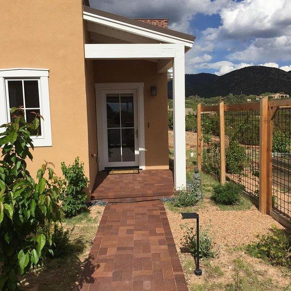Contemporary Guest House--Close In, Great Views – semesterbostad i Santa Fe