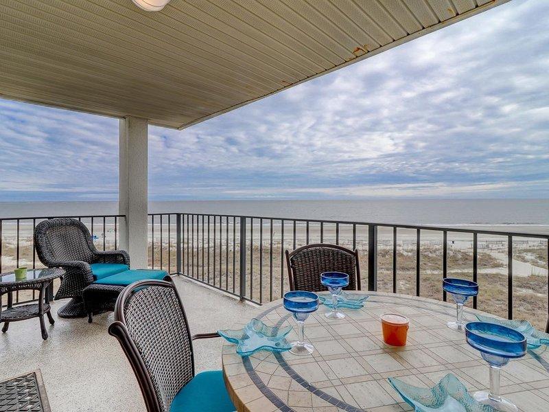 Sea Cloisters on Hilton Head, Upper Floor Condo with Fabulous Ocean Views!, location de vacances à Parris Island