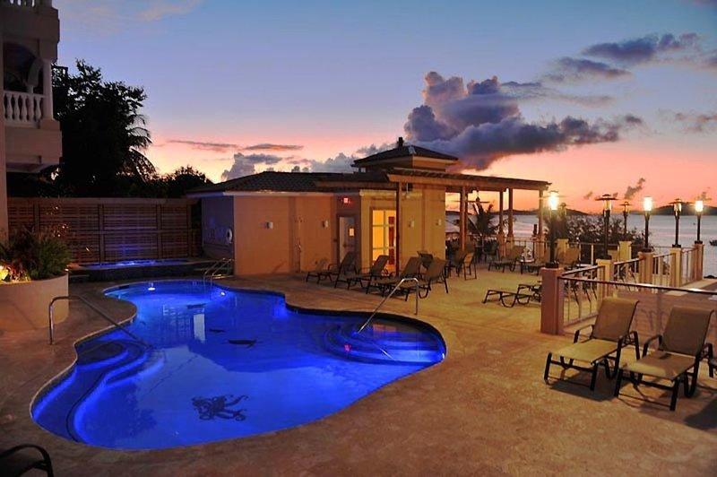 SEASIDE One Bedroom Suite - Grande Bay Resort, St. John, holiday rental in Cruz Bay