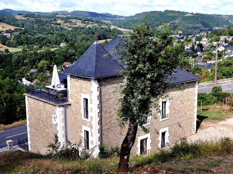 Grand gîte de la Vallée du Lot et aux portes de l'Aubrac, Ferienwohnung in Espalion