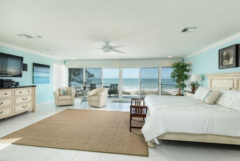 Amazing Luxurious Oceanfront House!, vacation rental in Indian Shores