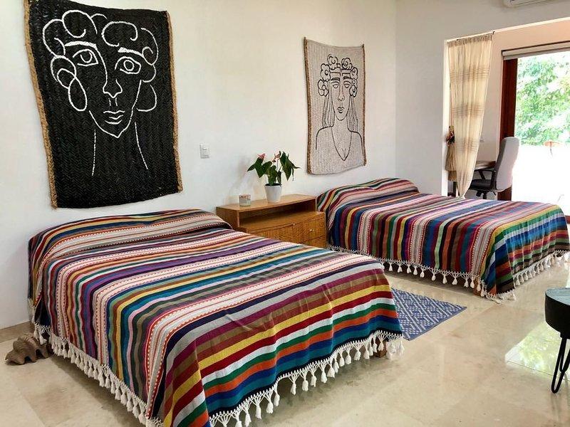 Chic Bed and Breakfast in Marina Vallarta with beautiful terrace, alquiler vacacional en Ixtapa