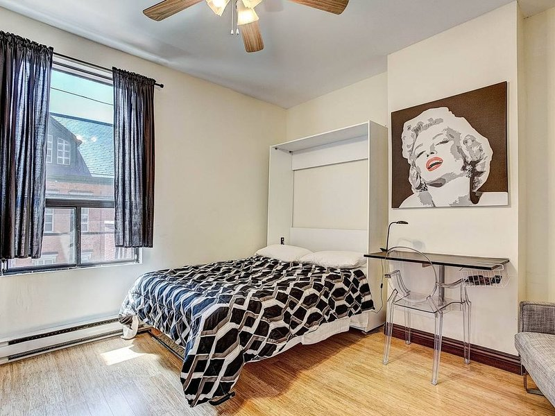 The Destination Loft Downtown Montreal #302, vacation rental in Westmount