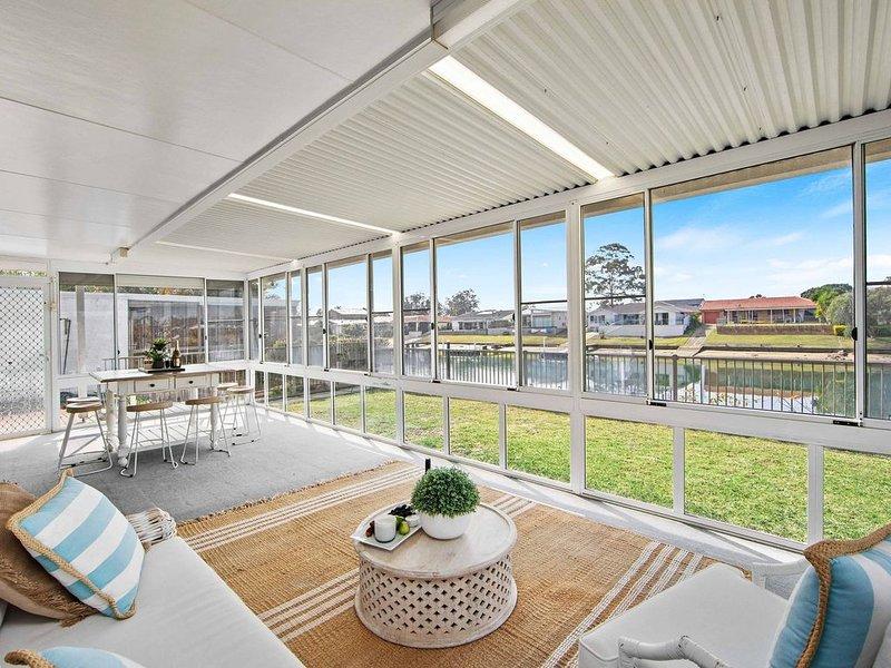 Hibbard Waterfront Escape - 46 Hibbard Drive, vacation rental in Port Macquarie
