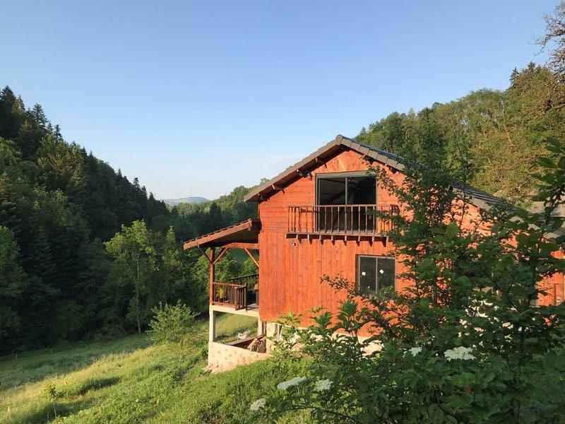 Chalet La Sapinière Lac d'Aiguebelette, location de vacances à Lepin-le-Lac