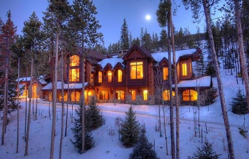 Bienvenido a Gold Run Lodge, un refugio de lujo a 15 minutos de la ciudad y la estación de esquí.