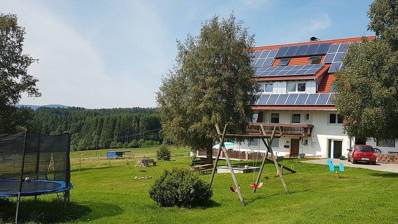 Gemütliche Fewo 55qm nur 3km vom Schluchsee entfernt, vacation rental in Schluchsee
