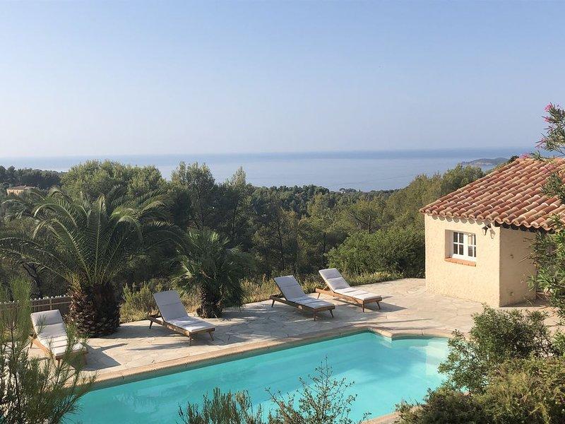 Villa familiale au cœur d'une zone naturelle protégée et vue mer panoramique, vacation rental in Ceyreste