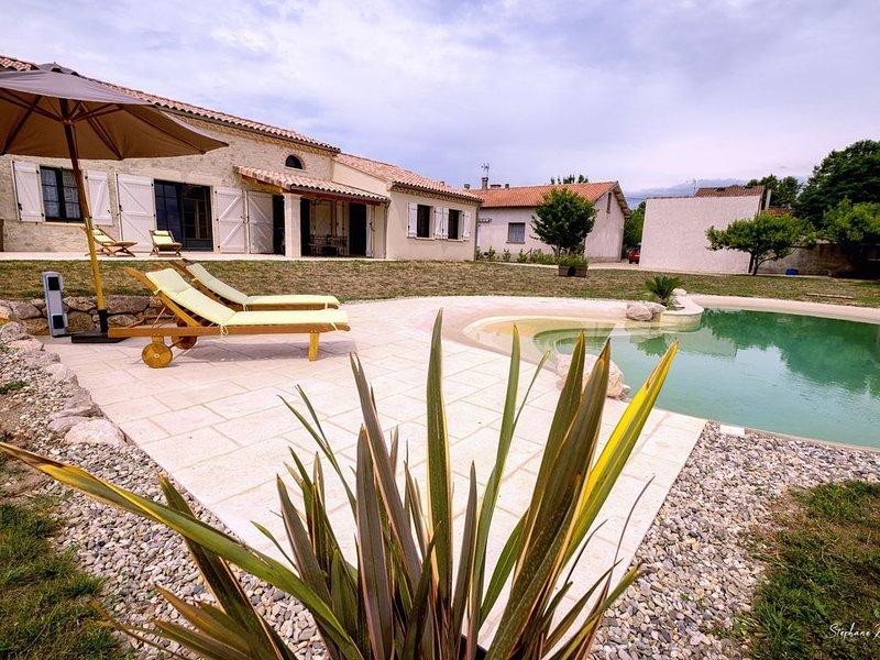 Maison neuve avec piscine, location de vacances à Rabastens