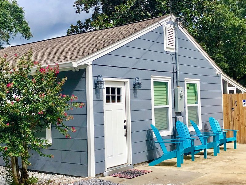 Cute, Peaceful Home Centrally Located in Pensacola, holiday rental in Pensacola