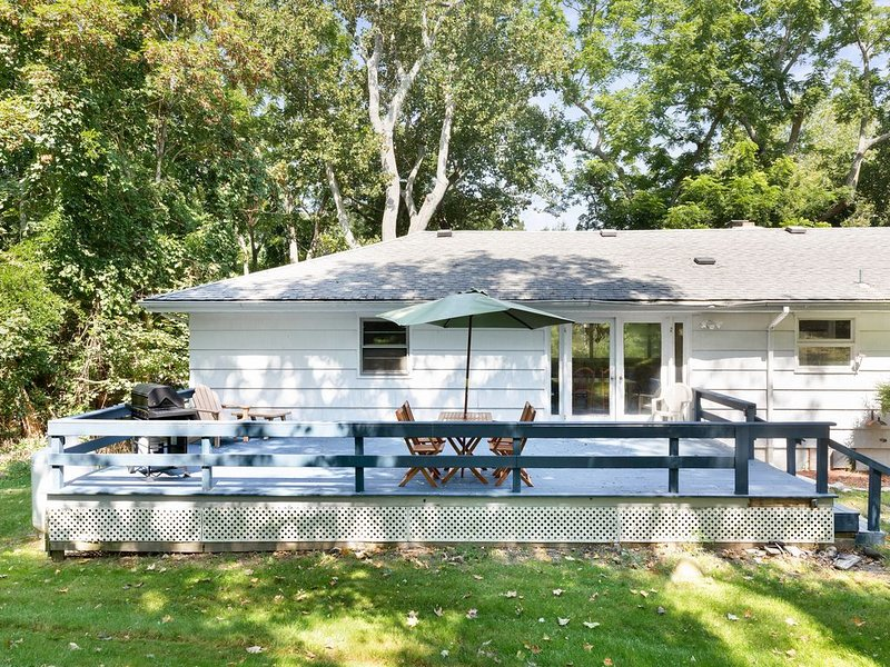 Dog-Friendly House w/ a Furnished Deck & Sunroom - Near Trout Pond, vacation rental in Sag Harbor